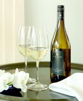Levin-Sauvignon-Blanc-Glasses