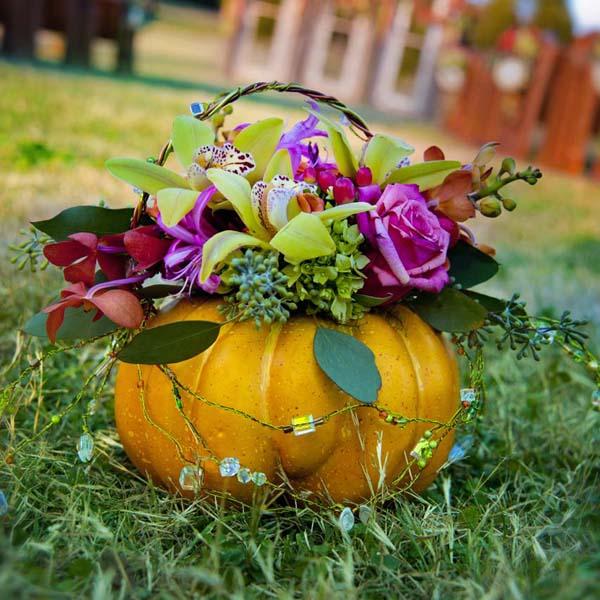 Outdoor November Wedding Flowers: Fall-wedding-rustic-halloween-wedding-decor-ace-photography-2