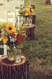 wedding-aisle-wildflowers-decor
