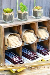 smores-bar-candy-display