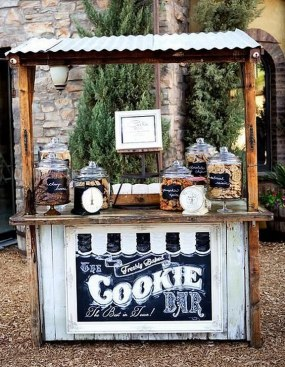 Madam-Paloozas-Cookie-bar-station