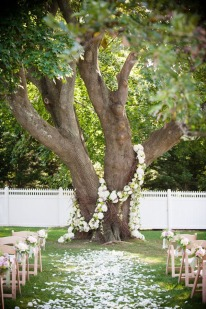 10-outdoor-wedding-ceremony-ideas-002